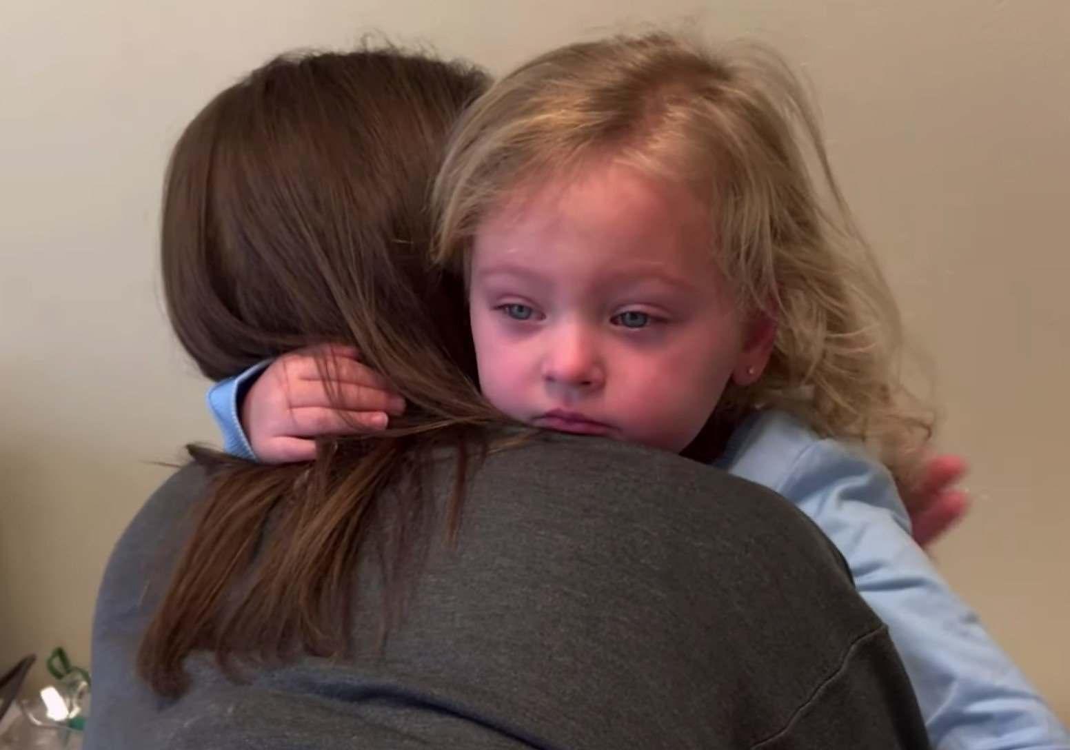 Reacción Del Moho Del Niño Enfermo Allergias